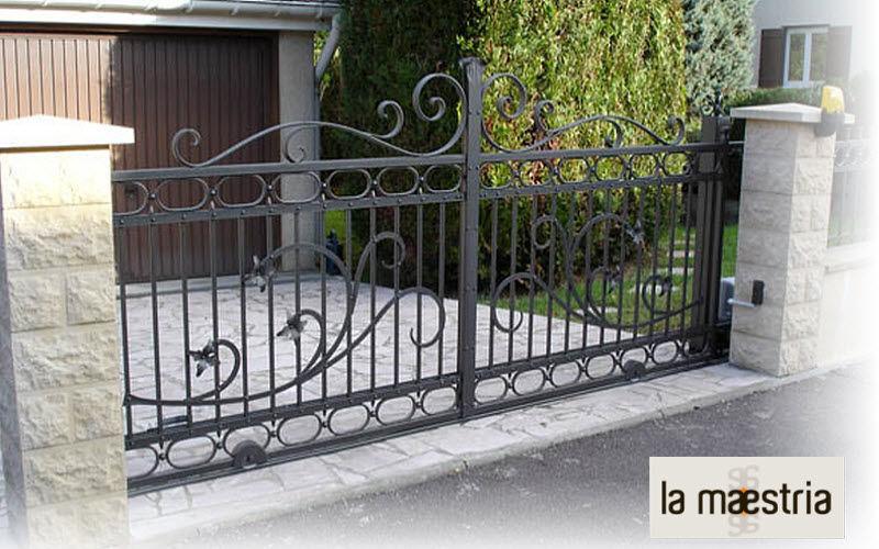 LA MAESTRIA Portail à vantaux Portails Jardin Abris Portails...  |