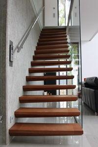 Cr�ateurs d'Escaliers Treppenmeister - ego - Escalier Suspendu