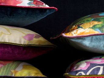 JAMES MALONE -  - Coussin Carr�