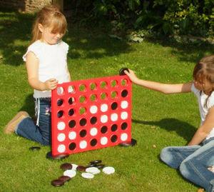 Traditional Garden Games - jeu puissance 4 géant 46x53cm - Jeu De Société