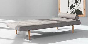 INNOVATION - napper canapé lit gris clair, piétement en chêne,  - Banquette Lit
