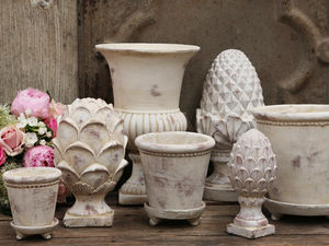 CHIC ANTIQUE - flower pots - Pomme De Pin