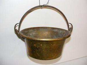 Ardèche Brocante en ligne - chaudron en cuivre - Chaudron