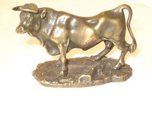 AUX MAINS DE BRONZE - taureau - Sculpture Animalière