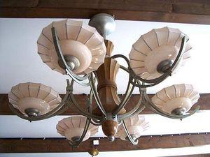 Le Grenier de Matignon - lustre des annees 30 a 6 coupes en bois et metal - Lustre