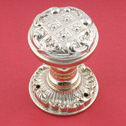Brassart - louis xv decorative door knob on latchplate. - Bouton De Porte