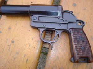 La Timonerie -  - Pistolet Et Révolver