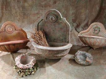 Ampholia-Anduze -  - Fontaine D'ext�rieur