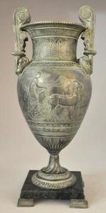 Demeure et Jardin - urne grecque sur base en marbre - Vase Couvert