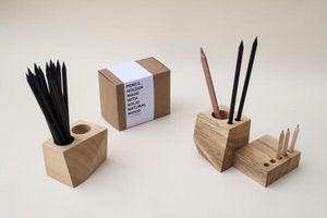 OCTAGON DESIGN -  - Pot � Crayons