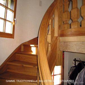 ESCALIERS DE FRANCE -  - Escalier Deux Quarts Tournant