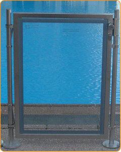 Portillon de sécurité piscine