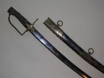 Aux Armes d'Antan - beau sabre d?officier de chasseur � cheval, sur le mod�le 1792 - Sabre