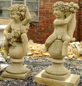 Wrights of Campden - cherub finials - Ornement De Jardin