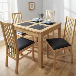 Bentley Desings - square dining table - Table De Repas Carrée