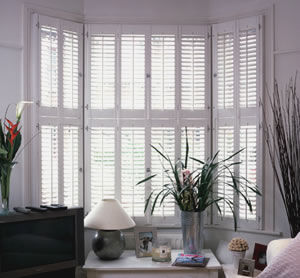 The House Of Shutters - 48mm louver - Volet Battant Persienne