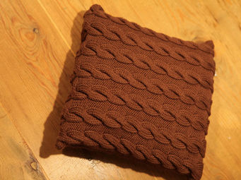 Y.KNOT -  - Coussin Carr�