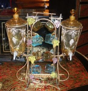 Art & Antiques - fontaine à liqueur émaillée. - Cave À Liqueur