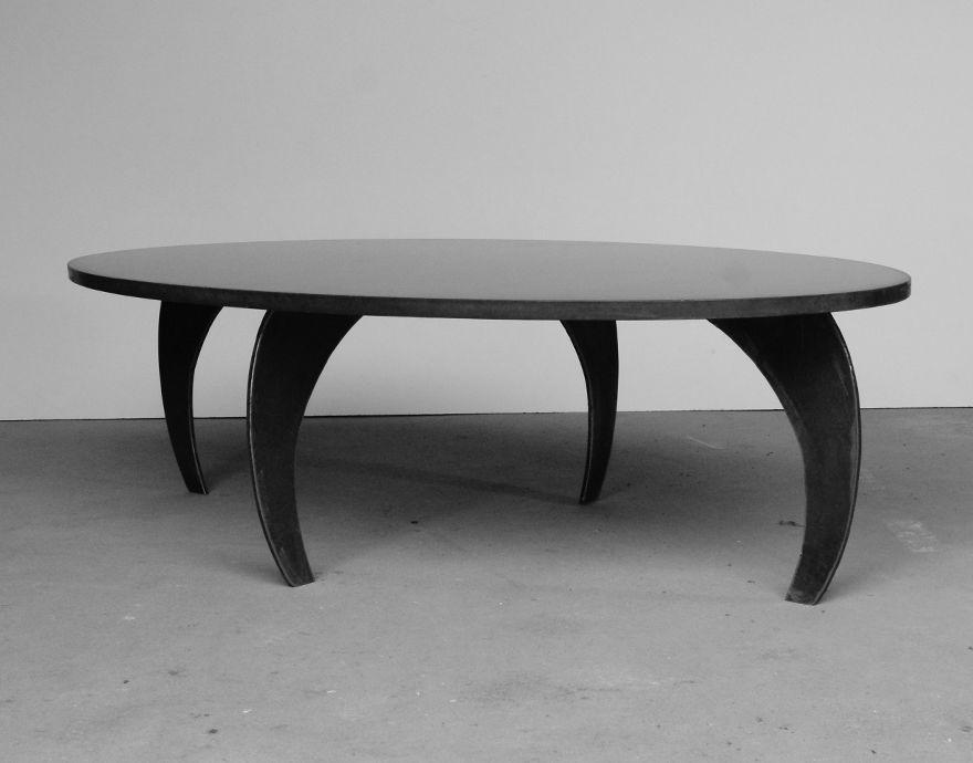 Table basse b ton l 39 ellipse e table basse forme originale Table basse originale design