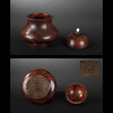 Expertissim - Pot à tabac-Expertissim-Pot à tabac couvert  en bois de thuya