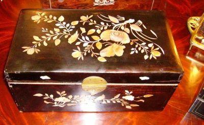 Art & Antiques - Coffret de jeux-Art & Antiques-Coffret Napoléon III à décors asiatiques