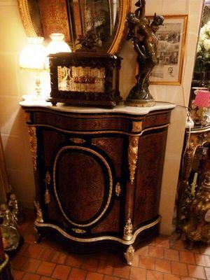 Art & Antiques - Meuble d'entre-deux à hauteur d'appui-Art & Antiques-Meuble d'appui 1 porte écaille rouge toutes faces