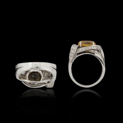 Expertissim - Bague-Expertissim-Bague or, saphir jaune, 5.31 carats, et diamants