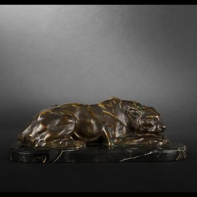 Expertissim - Sculpture animali�re-Expertissim-H. PAYEN. Lionne couch�e en bronze