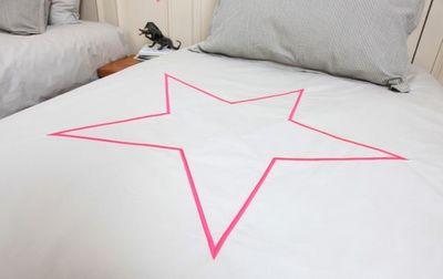 Grasse Matinee - Parure de lit-Grasse Matinee-Parure Mazette gris perle étoile fluo ro