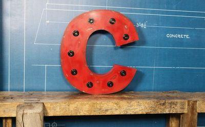 COMPAGNIE DES AMPOULES A FILAMENT - Lettre décorative-COMPAGNIE DES AMPOULES A FILAMENT-SLL