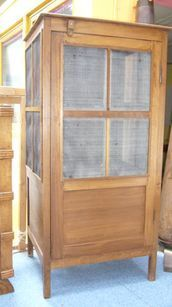 ANTIQUES AND - Garde-manger-ANTIQUES AND
