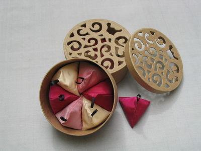 NAMAST� - Sachet parfum�-NAMAST�-th� � la rose