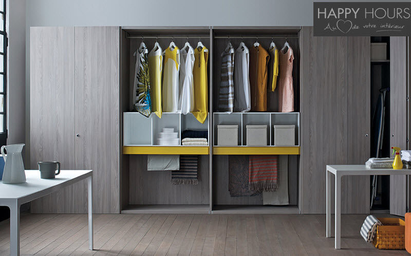HAPPY HOURS Straight Walk-in Closet Dressing rooms Wardrobe and Accessories  |