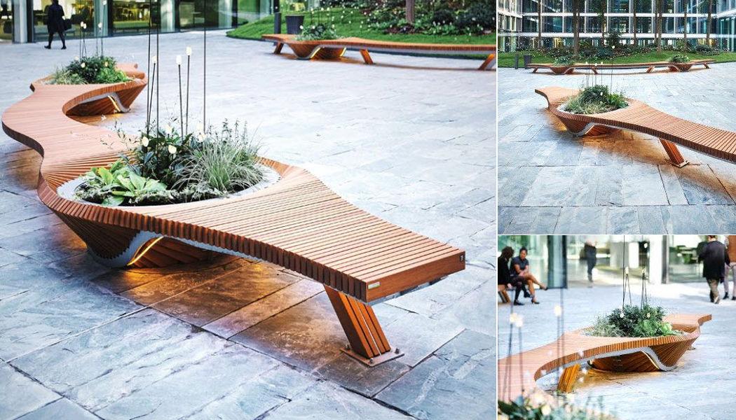 TÔLERIE FOREZIENNE Town bench Garden seats Garden Furniture   