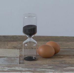 MADELEINE & GUSTAVE - 15 minutes - Hourglass