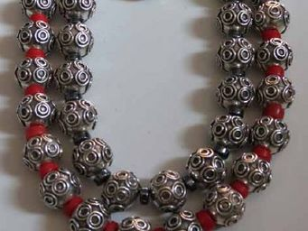blili's -  - Necklace