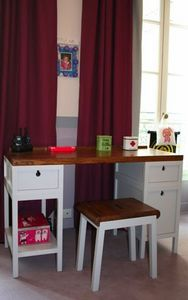 MADAKET -  - Children's Desk