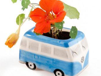 Radis Et Capucine - le mini bus flower power et ses capucines - Interior Garden