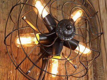 UTTERNORTH - apv - Wall Lamp