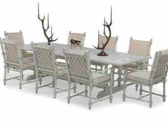 Oxley's - bretain - Garden Table
