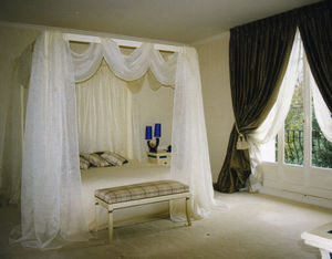 ADEQUAT-TIssUS -  - Double Canopy Bed