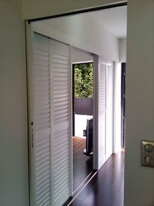 Jasno Shutters - porte persienne - Internal Sliding Door