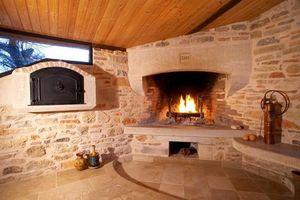 Occitanie Pierres -  - Corner Fireplace With Door