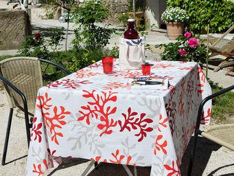 FLEUR DE SOLEIL - corail rouge 160x160 - Coated Tablecloth
