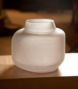 La maison de Brune - ono moyen - Flower Vase