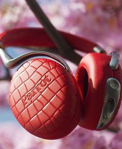 PARROT - zik 3_-. - A Pair Of Headphones