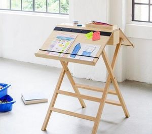 Casieliving - social - Easel For Kids