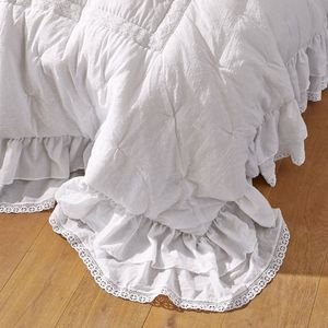 LOBERON -  - Quilted Blanket