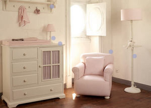 THE WHITE STORE -  - Children's Armchair