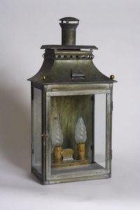 Jardinieres & Interieurs - lanterne st louis zinc patiné - Lantern